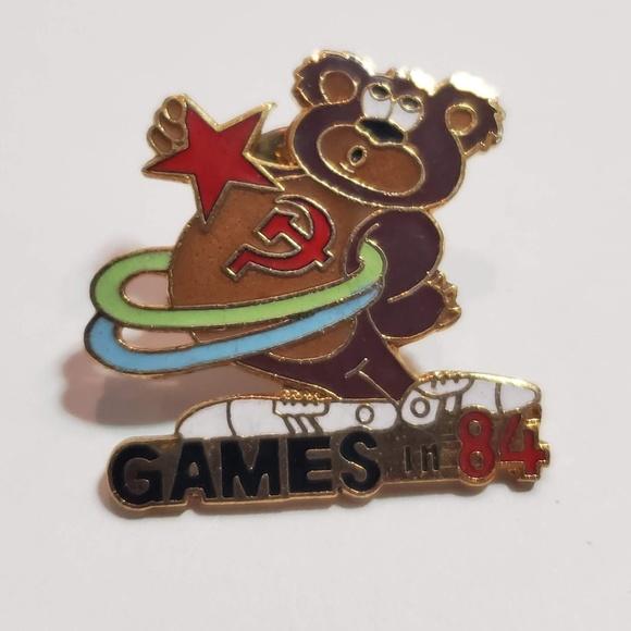 Accessories - 1984 LA Olympics pin Russian bear